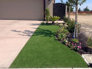 Front yard artificial grass concrete driveway, front driveway, garage, synthetic grass, fake grass, synthetic grass front yard
